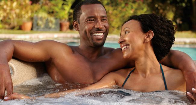 Jacuzzi® spa PREMIUM J-415 in the open air