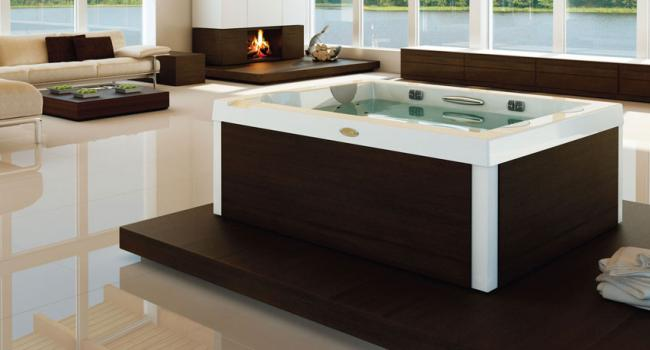Jacuzzi® spa UNIQUE with WENGE panel in the house